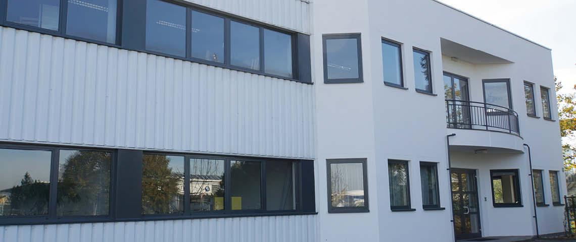 Neue Außenfassade bei Optimo